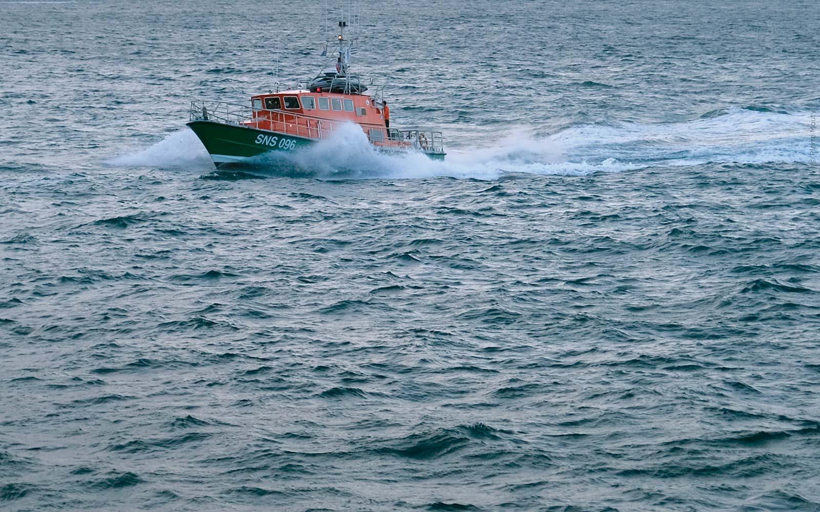 Le canot pendant un transport sanitaire